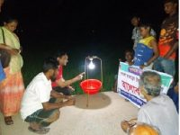 জয়পুরহাটে বোরোধানে পোকামাকড় দমনে ব্যবহার হচ্ছে আলোক ফাঁদ