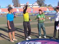 নারী টি-টোয়েন্টি বিশ্বকাপ: অজিদের বিপক্ষে ফিল্ডিংয়ে বাংলাদেশ