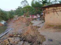 টাঙ্গন নদীর ভাঙনে হুমকির মুখে ৩ শতাধিক পরিবার